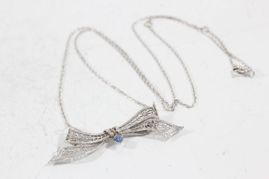 custom-jewelry-necklace