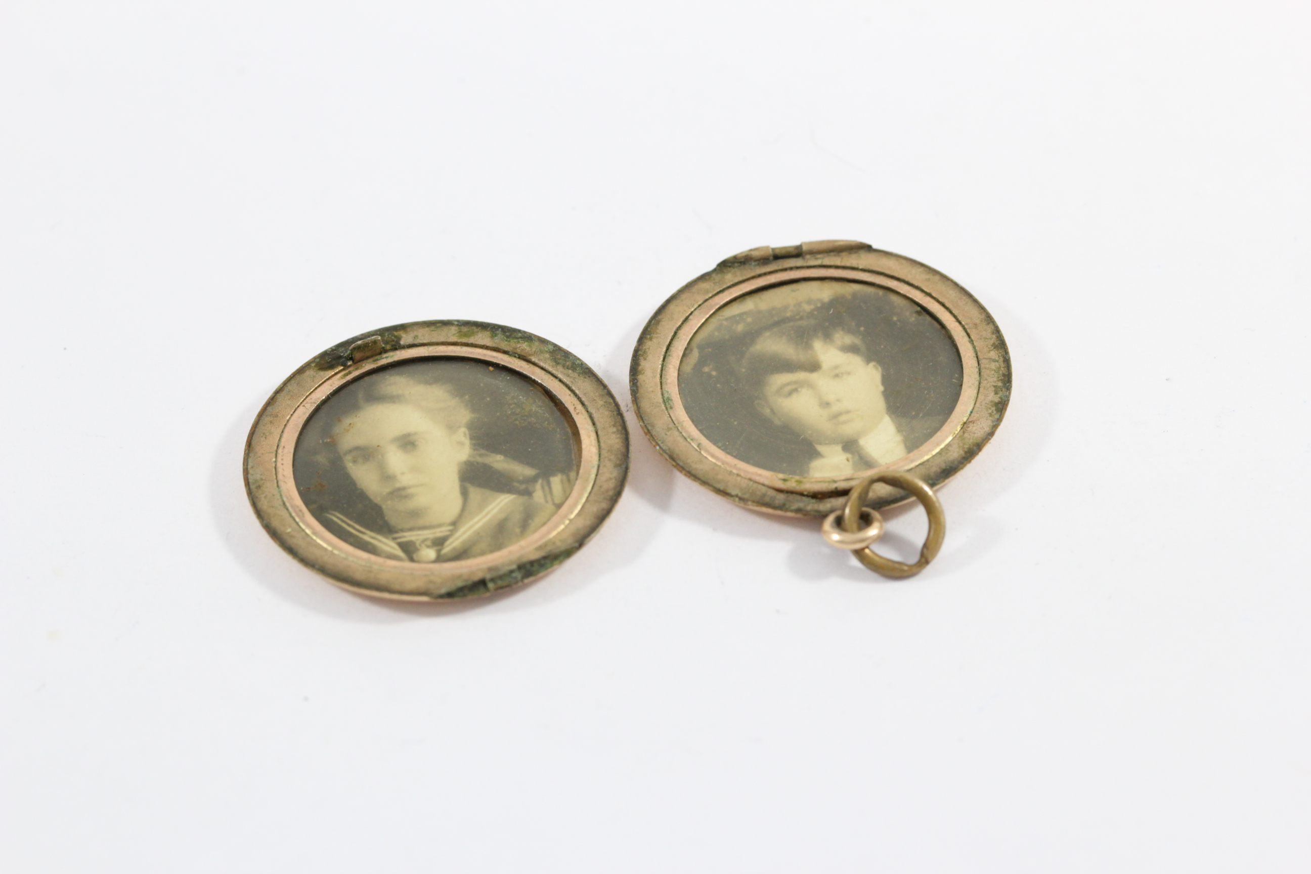 locket-antique