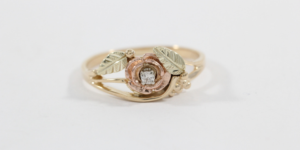 4 Ways to Identify Antique and Vintage Jewelry