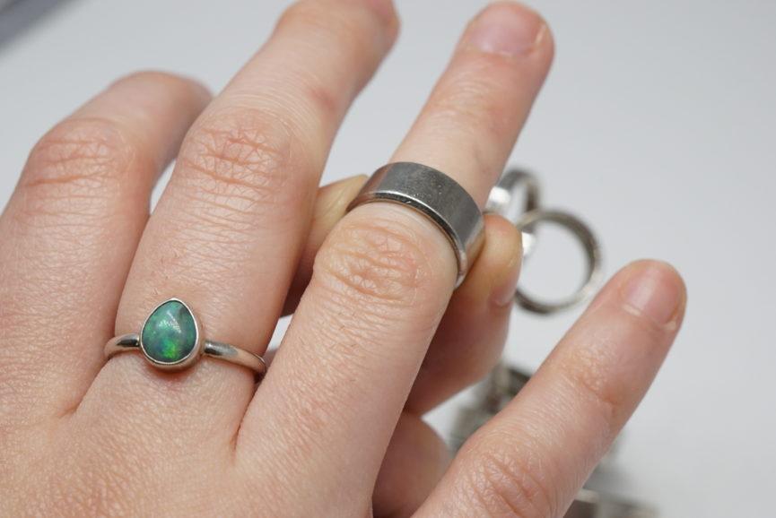 ring-big-knuckles