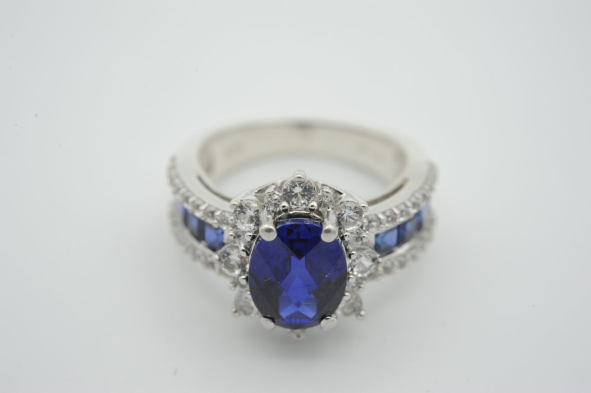 engagement-ring-sapphire
