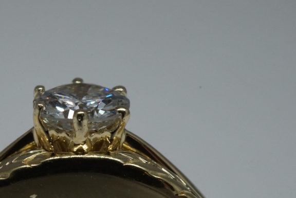 diamond-shapes-prong-setting