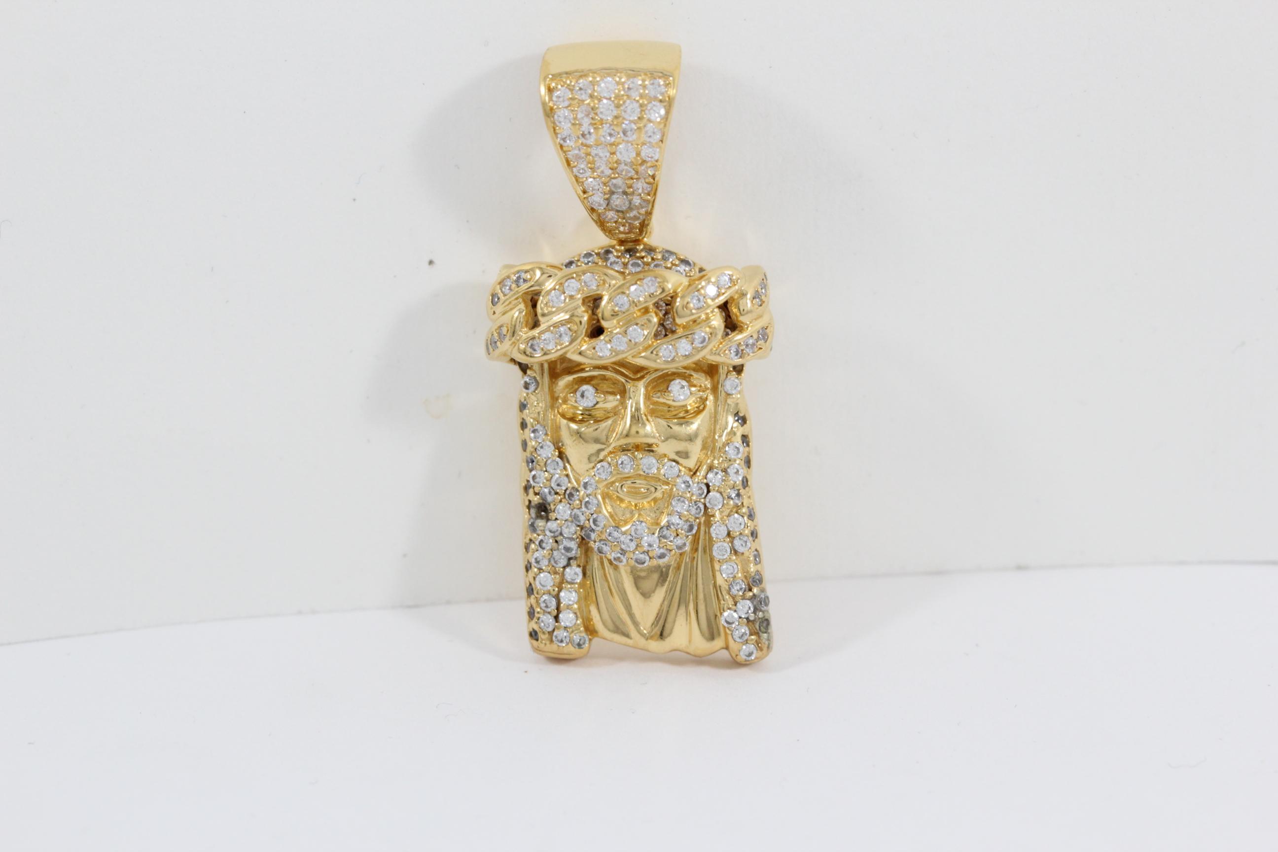 clean-tarnished-jewelry-rhinestone