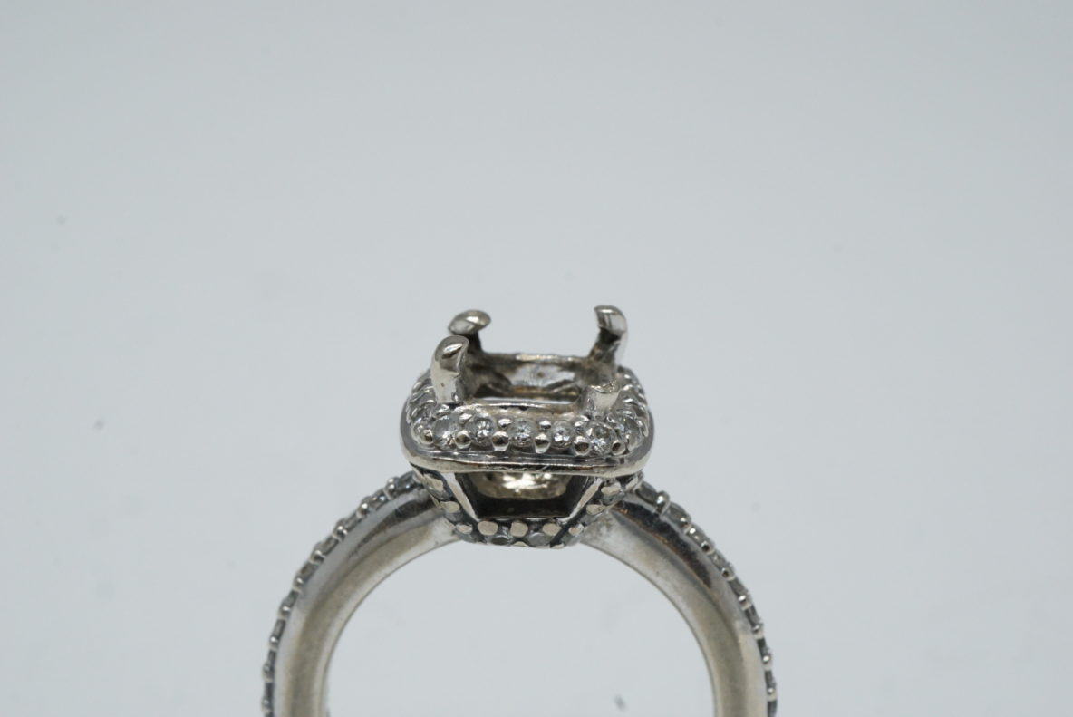 ring-prong-repair-maintenance-white-gold