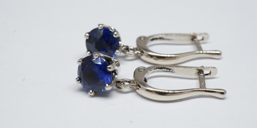 blue-gemstones-earrings