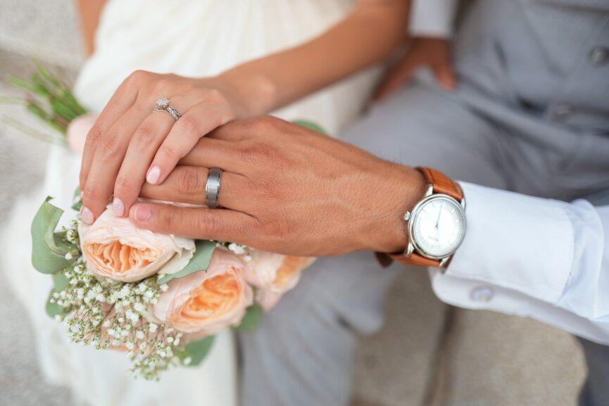 5 ways to upgrade your wedding set
